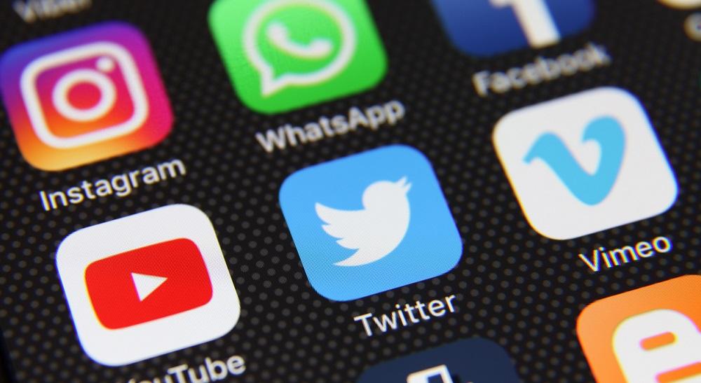 Social-Media-Bullying